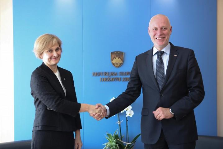 Satversmes tiesas priekšsēdētāja Ineta Ziemele un Slovēnijas Nacionālās Asamblejas priekšsēdētājs Milans Brglezs (Milan Brglez). Foto: Barbara Žejavac.