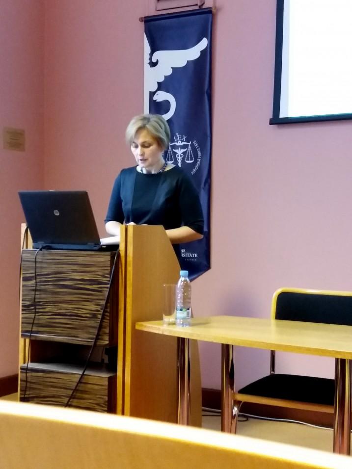 Satversmes tiesas priekšsēdētāja Ineta Ziemele uzstājas ar priekšlasījumu Letonikas VII kongresa priekšlasījumu sērijā. Foto: K.Strazda.